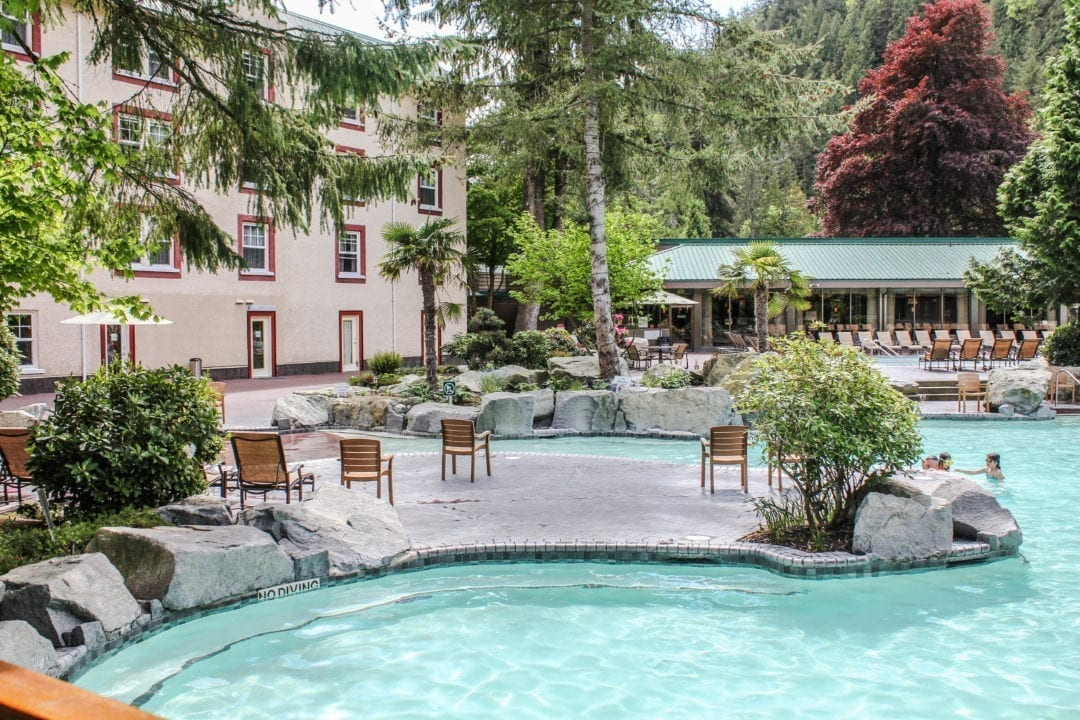 Harrison Lake Hotel Reviews