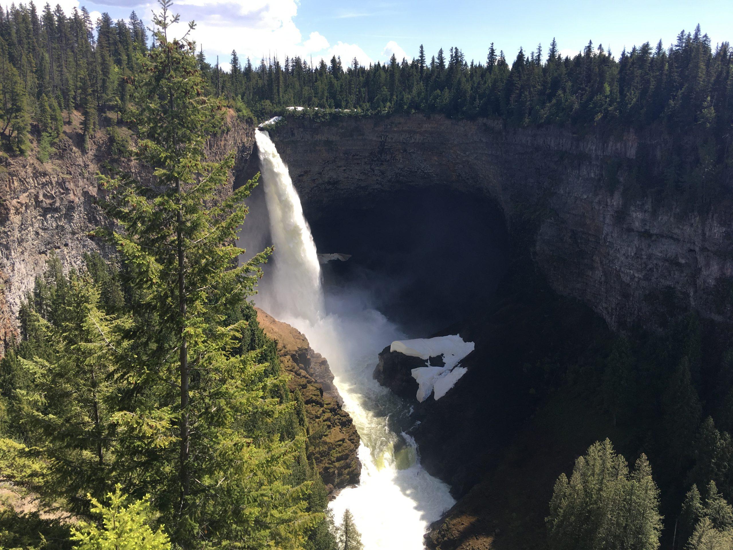 Waterfalls, Helmcken Falls, Wells Gray Park, British Columbia Canada