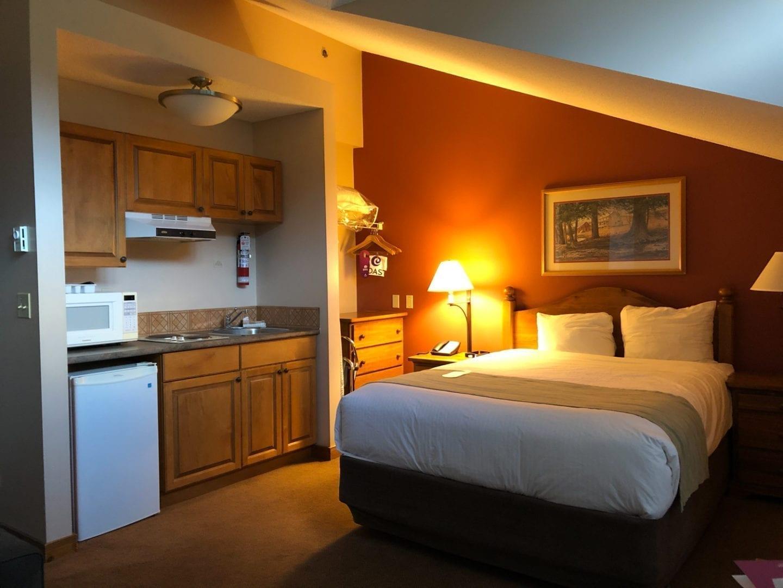 Coast Sundance Lodge, Sun Peaks Resort, BC