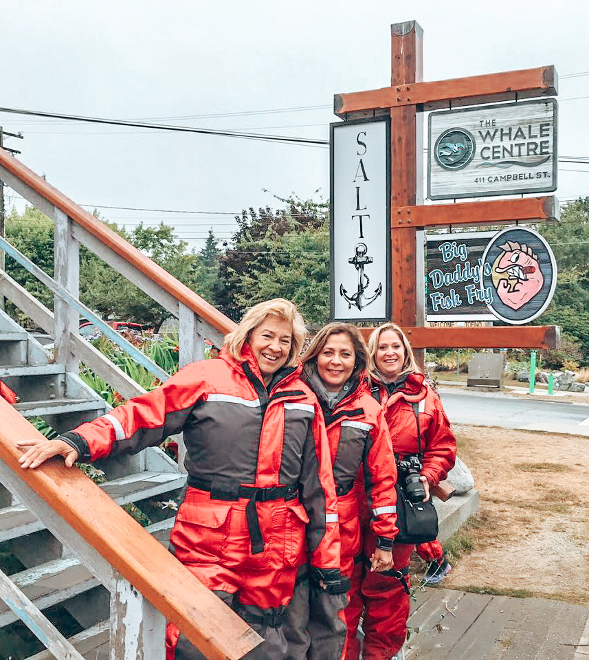 whale watching chicas